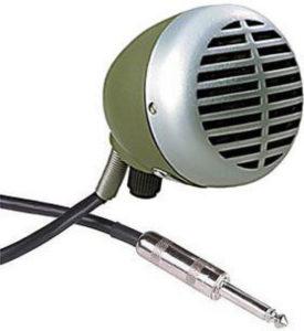 Micrófono de bobina y cableado.