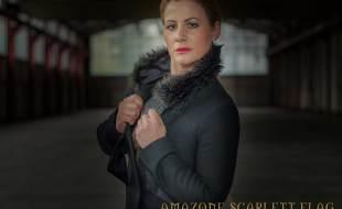 Amazone Scarlett Flag