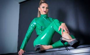 Victoria-Collins---green-latex-1
