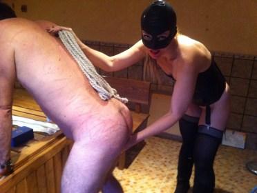 Lady Sasha Lin y su esclavo