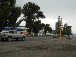 Aún sin semáforo el cruce que está las afueras del CIS y del Hospital de la Mujer. 26/09/2013