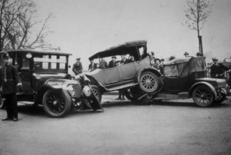 Accidentes de coches antiguos 2