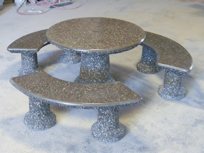 designer round table set