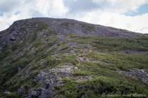 Vers le sommet caillouteux du Xalibu