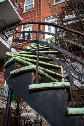 Et l'escalier tourne toujours en montant.
