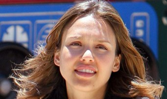 womenJessica-Alba-No-Make-Up