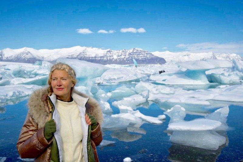 D Dimey devant le glacier Island