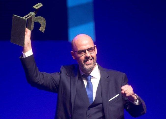 El periodista Jordi Basté recibe el Premio Ondas de Radio 2018 al Mejor Presentador de Radio. / QUIQUE GARCÍA (EFE)