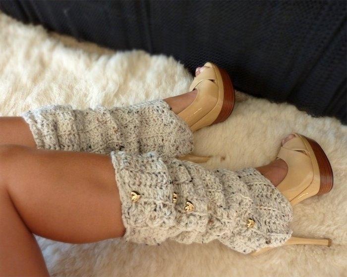 Leggings tricotés ouverts avec boutons d'or peut être porté avec des talons hauts