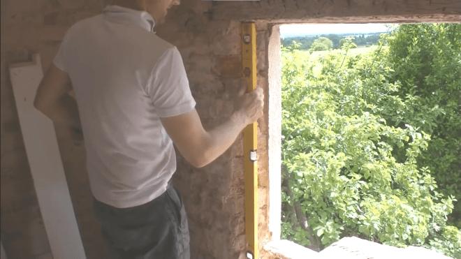 stavební otvor před montáží okna