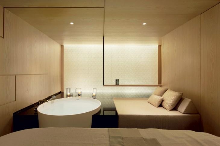 Спа-салон в Швейцарии с отделкой из японского шелка коишимару