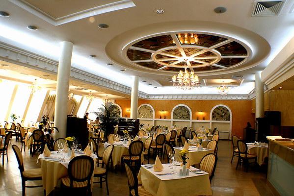 Создаем особую атмосферу в ресторане