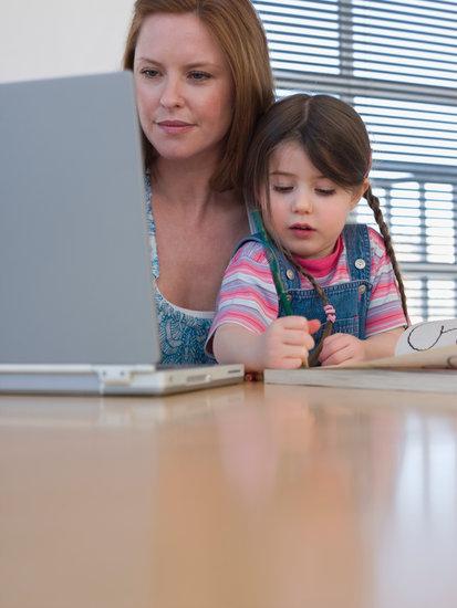 gyerek mellett dolgozni