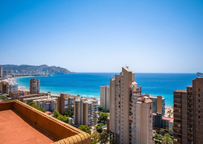 Luxusní byt s výhledem na moře kousek od pláže