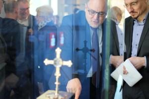 """Ein Großteil der Exponate im neuen Domschatz Minden gelten nach Ansicht renommierter Kunsthistoriker als """"von europäischen Rang"""". Foto: DVM/Alexander Lehn"""