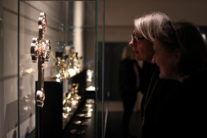 Bei öffentlichen Führungen können die christlichen Kunstschätze aus elf Jahrhunderten entdeckt werden. Foto: DVM