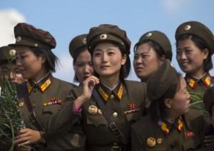 Шива через Кима Майклса. Конференция в Южной Корее, Сеул, 2 июля 2016 Reportage_-_soldatinnenundsoldatenpraegendasalltagsbildinnordkor(1)
