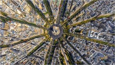 La place de l'Etoile, à Paris