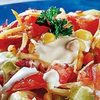 Salada Árabe com Tomate, Cenoura, Beterraba e Molho