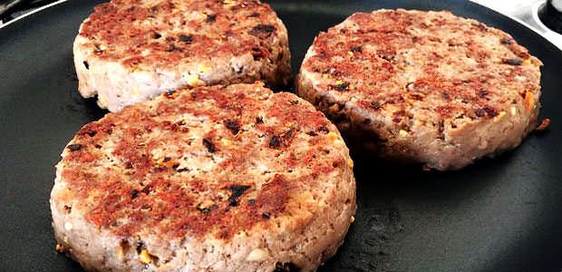 Preparação do Hambúrguer na Frigideira