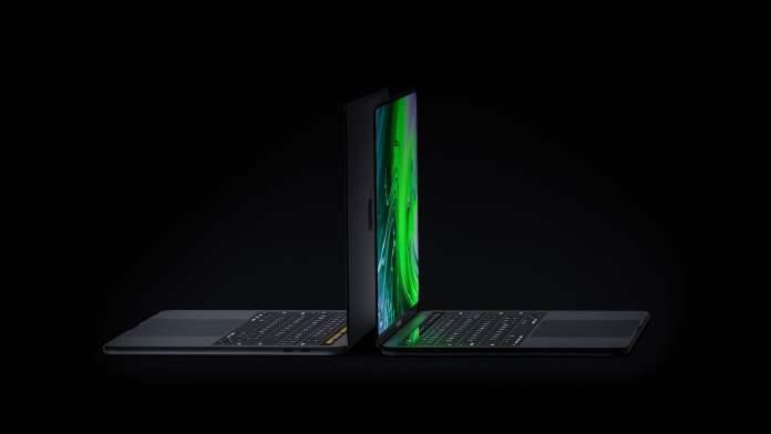 OLED ekranlı MacBook Pro