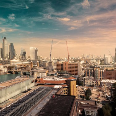 Cielo di Londra, post-production con photoshop   Foto di Donato Locantore