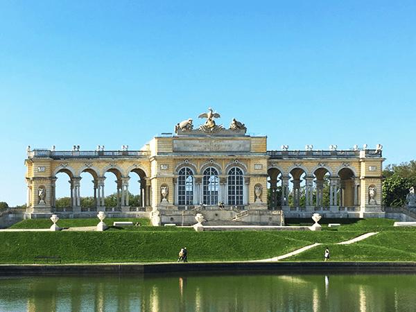 Дунайский велотур из Пассау заканчивается в Вене. Отсюда мы можем наслаждаться прекрасным видом, далеко за пределами столицы Вены.