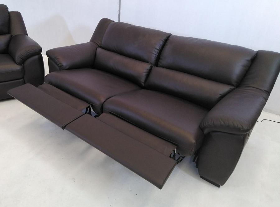 Conjunto de sof s relax de piel natural de color marr n for Sofas relax online