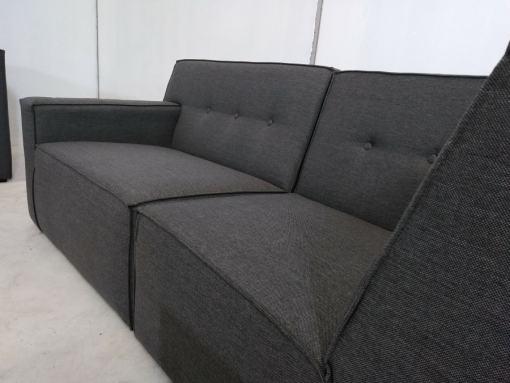 Asientos. Conjunto grande de sofás modulares de 3 y 2 plazas más 2 pufs – Modules