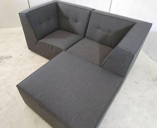 Combinacion chaise longue. Sofá modular pequeño (2 plazas) de color gris más puf - Modules