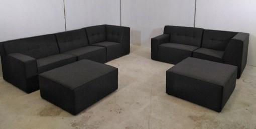 Conjunto grande de sofás modulares de 3 y 2 plazas más 2 pufs – Modules