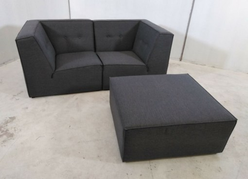 Sofá modular pequeño (2 plazas) de color gris más puf - Modules