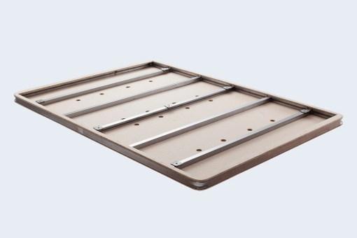 Estructura de la base enforzada con 5 barras de acero