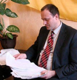 Только на эту женщину-предпринимателя  у начальника отдела защиты прав потребителей горсовета Енакиева Андрея Лыги скопилось до 70 жалоб.