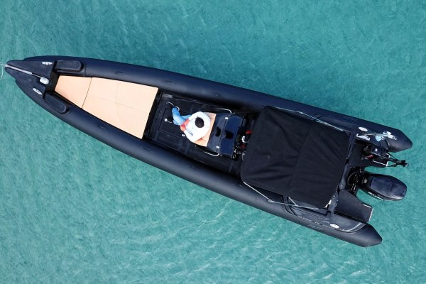 Mykonos Private Boat for rent - Don Blue Yachting - OTOS Fost Obsession 860
