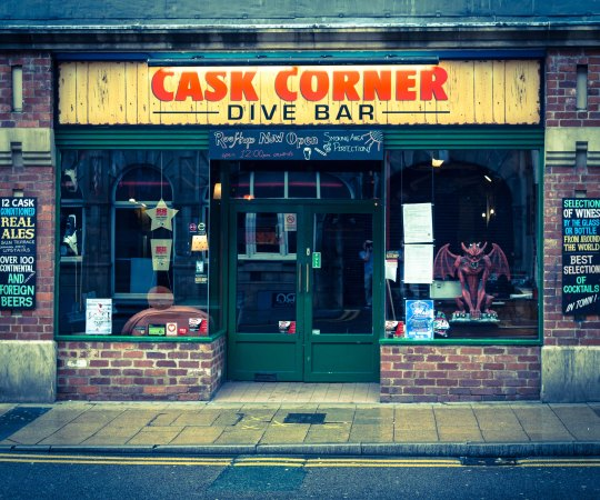 What's on at Cask Corner Dive Bar?