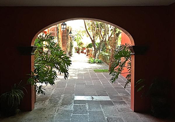 hacienda archway garden