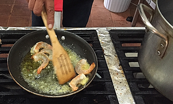 los olivos shrimp in pan