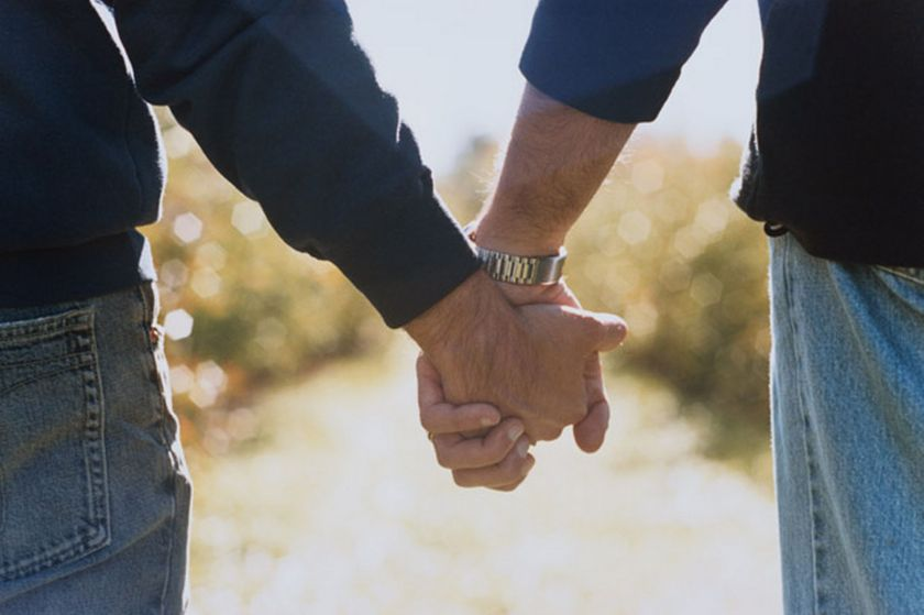 Two-Men-Holding-Hands-812874