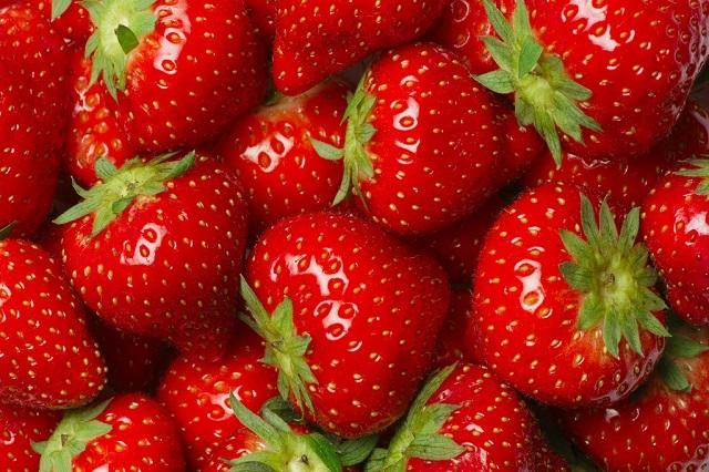 Strawberries fiber healthy