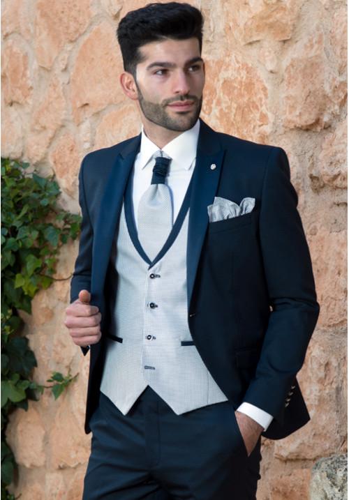 a4d206b4a1 traje-de-novio-azul-marino-roberto-vicentti-500x717 - Don Felix