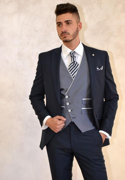 traje de novio azul clasico de roberto vicentti