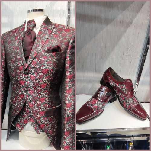 zapato forrado con el tejido del traje de novio