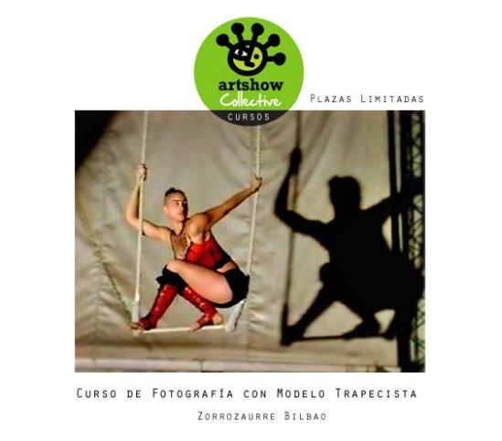 Curso de fotografía con modelo en trapecio (en plan circo, algo espectacular).
