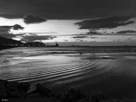 Ereaga Beach in black&white by Donibane
