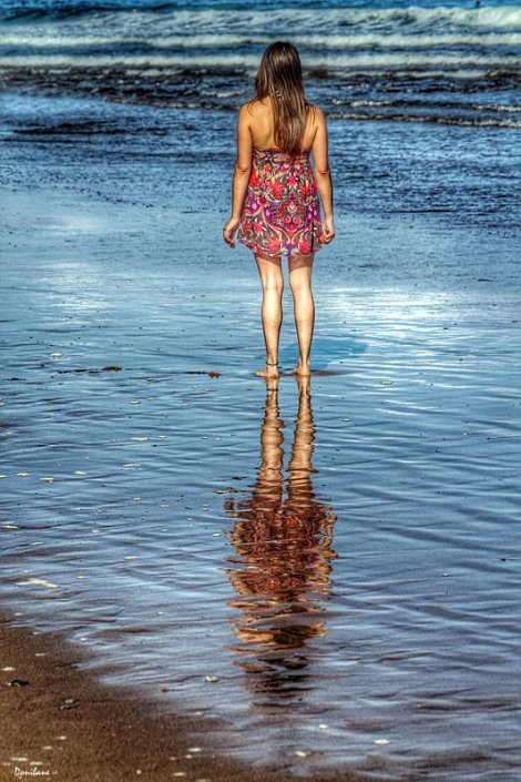 The reflectation girl by Donibane