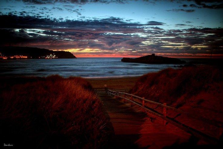 Anochecer en playa de Ris en Noja por Donibane