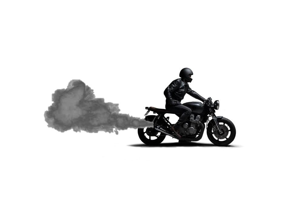 Humo negro moto