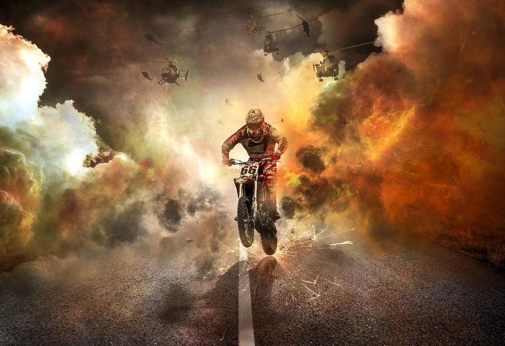 Moto en llamas