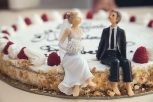 food couple sweet married on wedding cake
